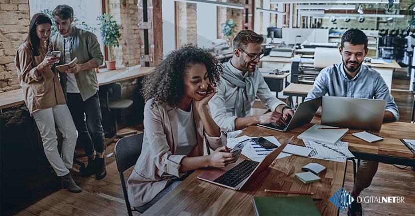 Hot Desk: conheça mais a respeito desse conceito